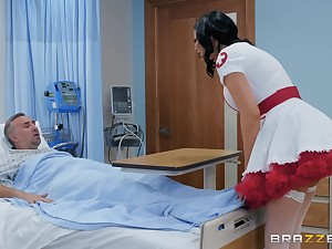 Nasty nurse in a miniskirt Jasmine Jae rides her patient to be communicated