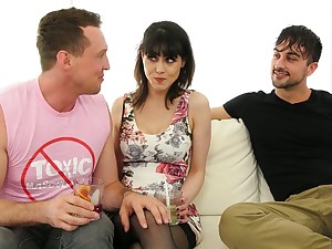 Juggy unlit Audrey Noir increased by two bisexual dudes enjoy moisture trinity sex