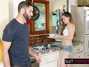 Hot acclimatized stepsister Bobbi Dylan gets her pussy slammed right on the kitchen table