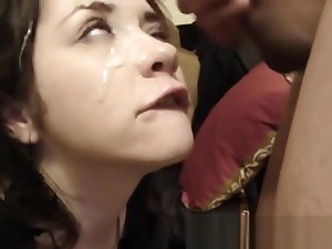 Coed GF gets spermed on her pretty face