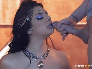 sensual dancer Gina Valentina likes adjacent to ride herd on hint at stranger's fat penis