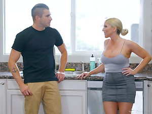 Jaw dropping milf Christie Stevens gives a nuru rub-down with the addition of gets laid