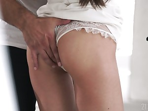 Some good anal polishing is never too late for really ravenous Lilu Moon