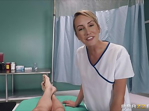 Slender blonde punctiliousness Brett Rossi rides her the truth for a cumshot