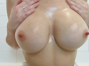 young natural busty Ashley Alban gets sloppy unequalled in the bathroom